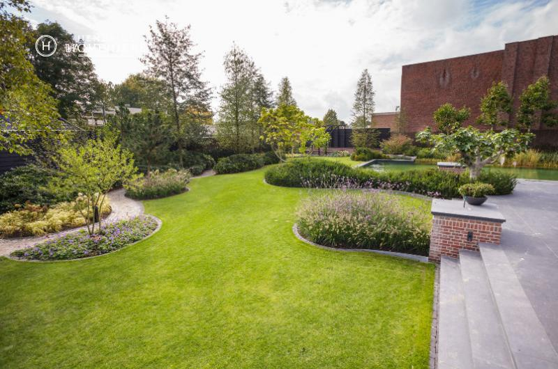 Exclusive landscaping at the top hendriks landscape
